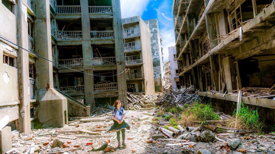 Dlaczego na świecie jest tyle zła? Ruiny miasta.